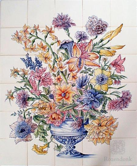 RM30-1k Vase mit Blumenschmuck