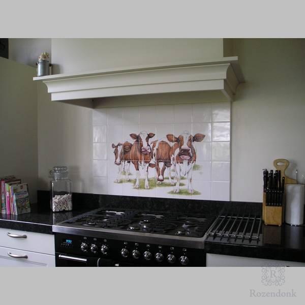 4 Rotbraun Kühe im Küche