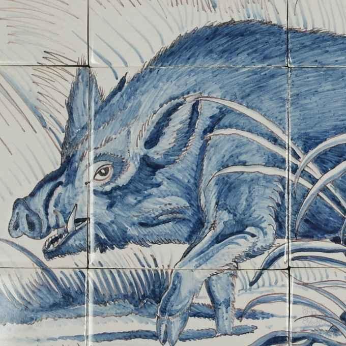 Wildschwein auf Fliesen