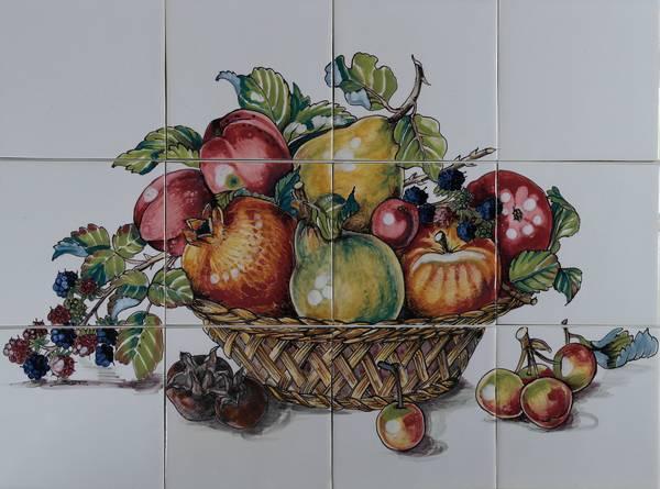 RH12-11 Korb mit Früchte