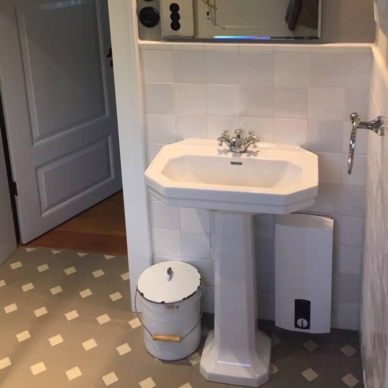 Badezimmer mit Mischung 6