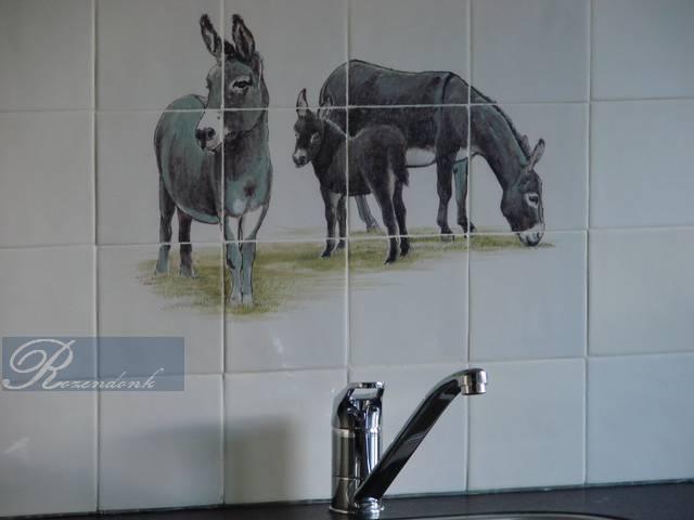 Esel auf Fliesen gemalt