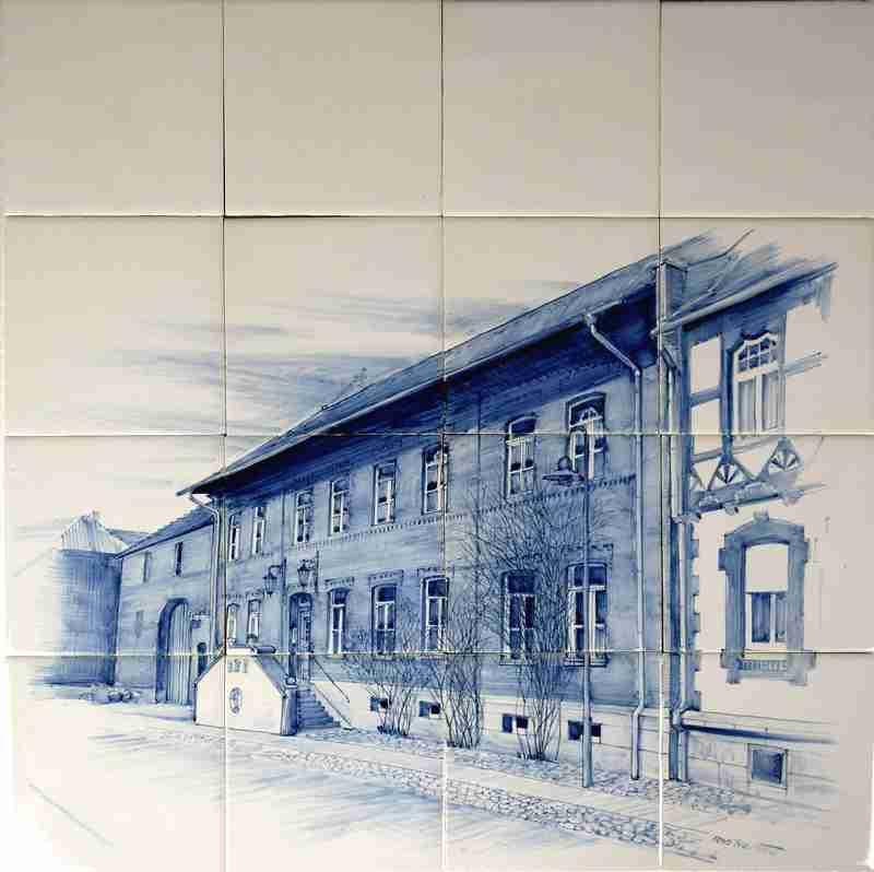 Ihr Haus malen wir auf unsere Fliesen