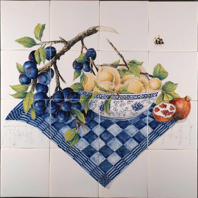 RH16-12 Delfterblaue Schale mit Pflaumen