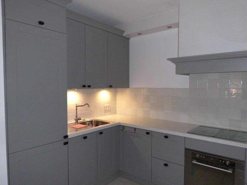 Graue Küche mit Basis Mischung 6