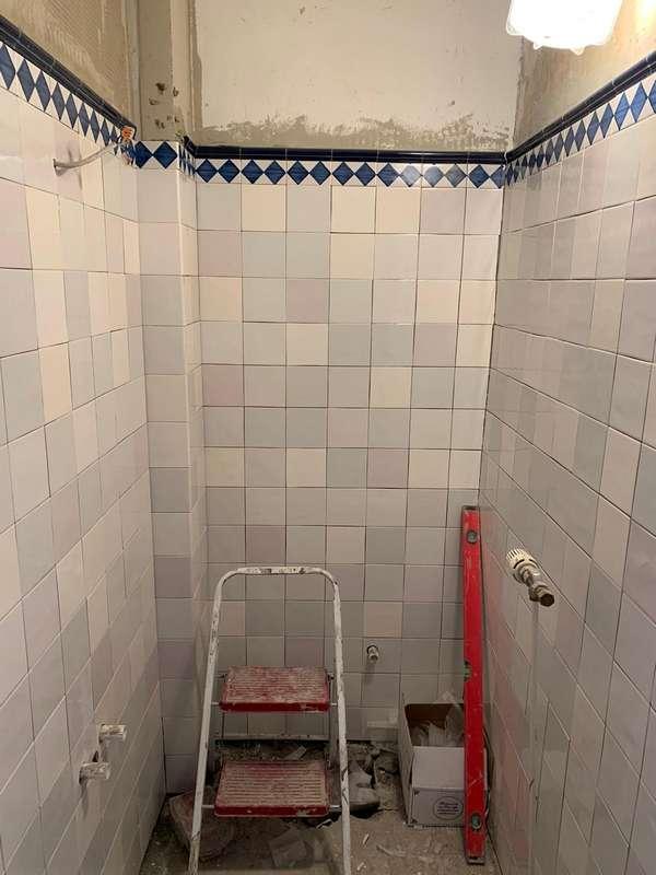 Toilette mit Mischung 9